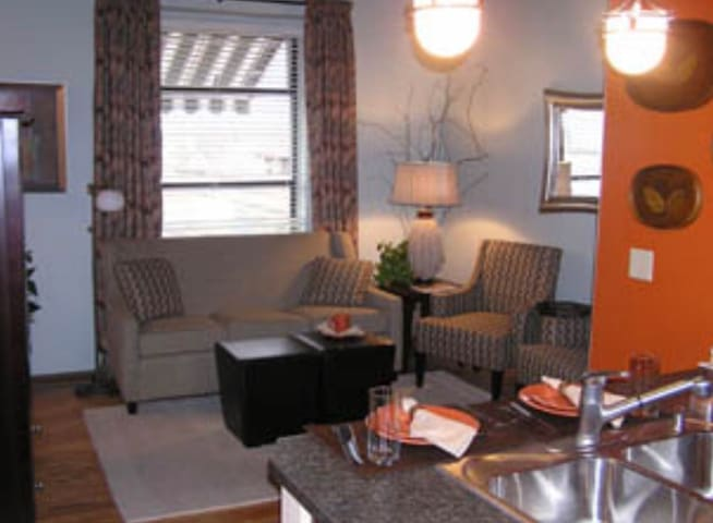 Cozy Historic Barnum Suite Downtown Medford 2bd