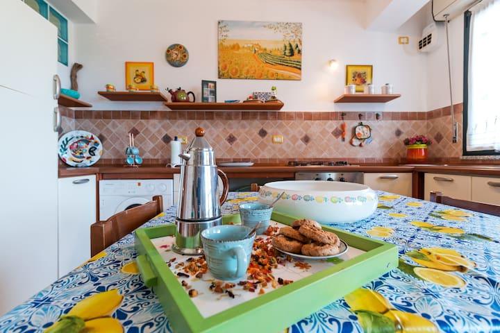 Adorabile appartamento con terrazza a Cala Gonone.