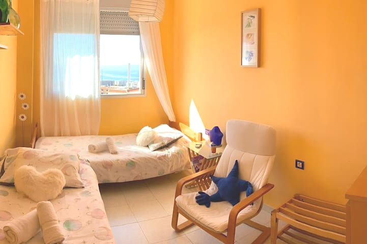 Sunny apartment,  Private Room, 2 persons