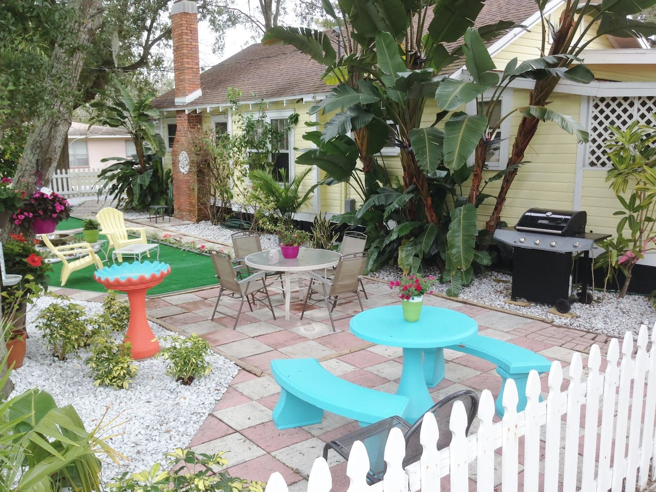 Side yard with BBQ grill