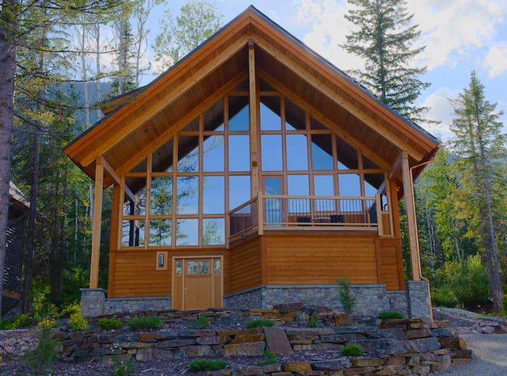 Dogtooth Vista: A Kicking Horse Mountain Retreat