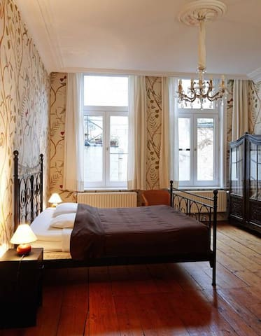 Authentic apartment in the historical center