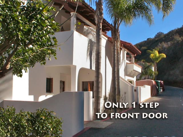 Beautifully-appointed Villa w/ Incredible Ocean Views, ONLY 1 Step, FP - Hamilton Cove Villa 2-48