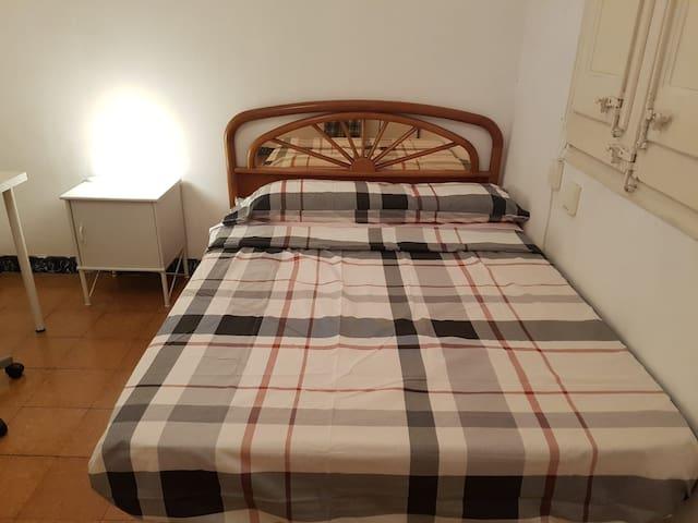 Habitación  Doble-piso familiar (solo mujeres )