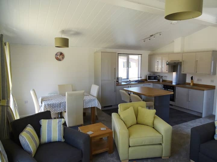 Two Bedroom Lodge 6