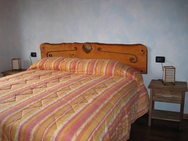 B&B L' AIGLE Camera Pointe Fetita - La Salle - Bed & Breakfast