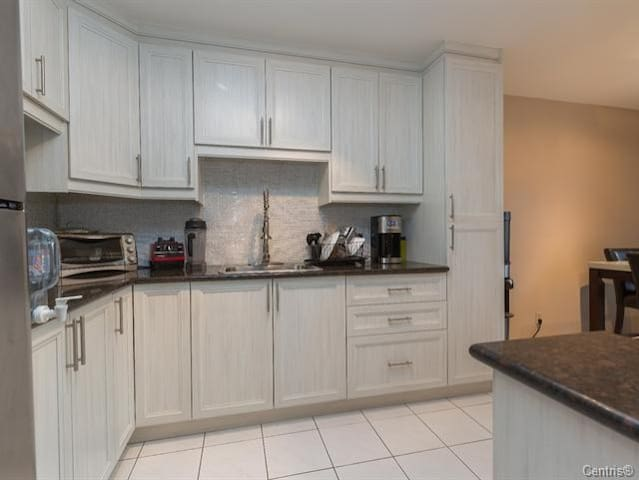 Free Parking Luxury Condo in Peaceful Location
