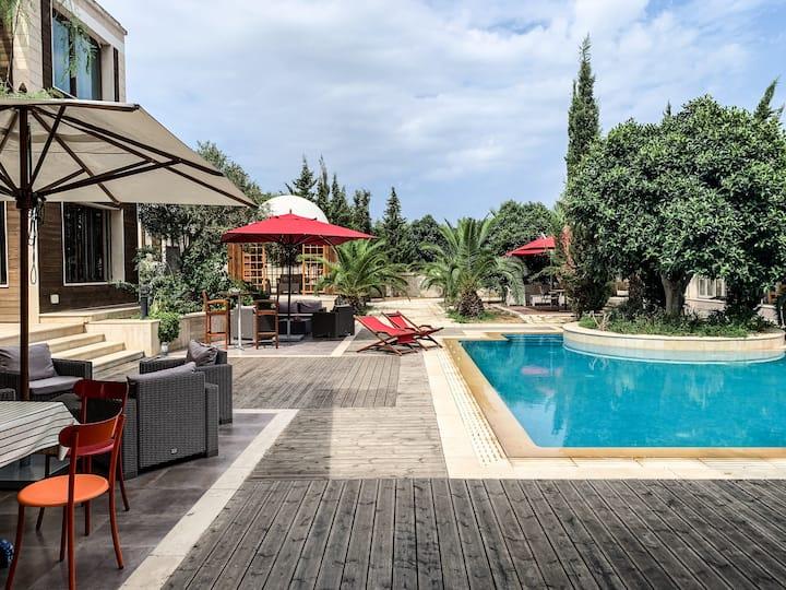 Chambre Talia dans villa avec piscine