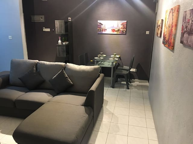 New Cozy 3 rooms Apartment nearby @Penang Airport