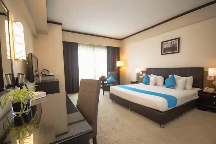 Kinta Riverfront Hotel - Superior King Room