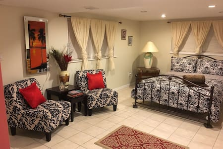 Studio Apartment - Saddle Brook