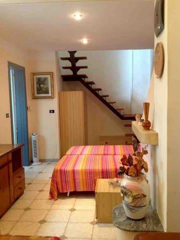 Appartamento In Aradeo via Toti.