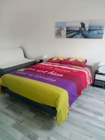 Chambre confortable proche remparts