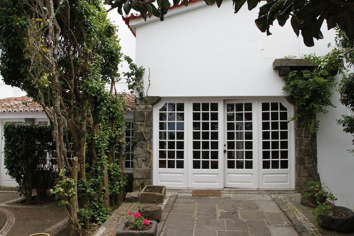 Azores Green Villas V1 - S. Vicente Ferreira - Hus