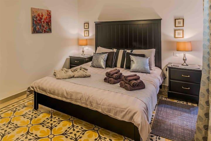 Deluxe Main Bedroom