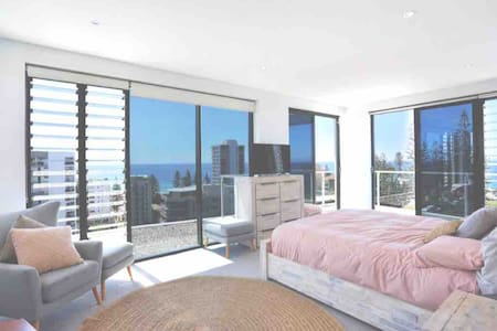 King of the hill ! Penthouse 360 degrees of views
