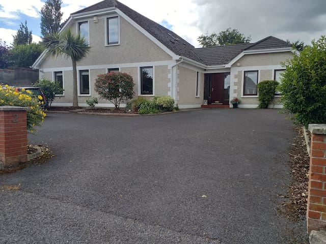 Killiney - Double or Triple room with ensuite