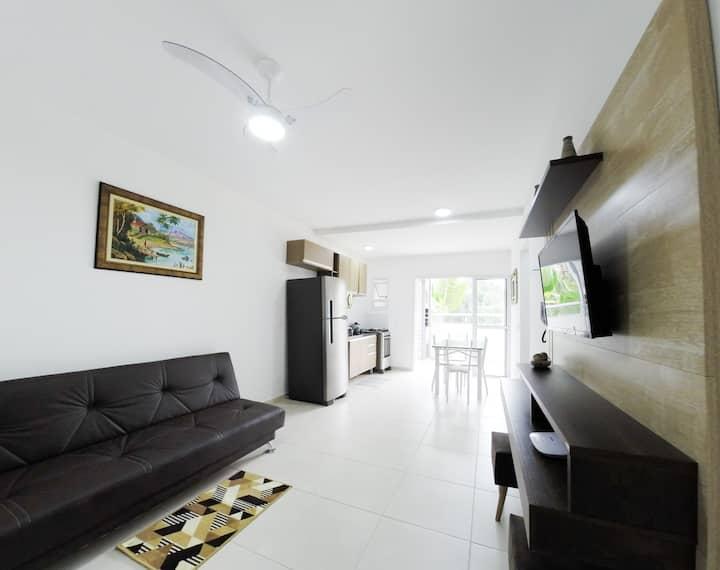 Incrível apartamento à 350m da Praia Perequê-Açu.