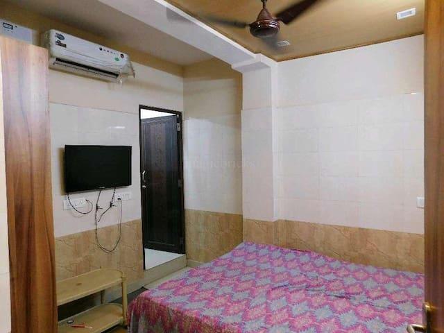 Pvrt room near saket malviya nagar max hospital.