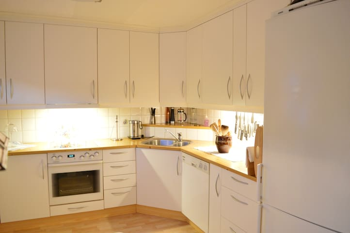 Ground floor: Fully equipped kitchen with everything you need to prepare decent meals.
