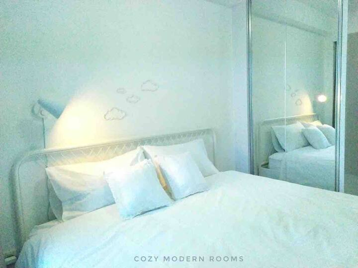 NEW Cozy Modern Rooms at Tifolia Apartment