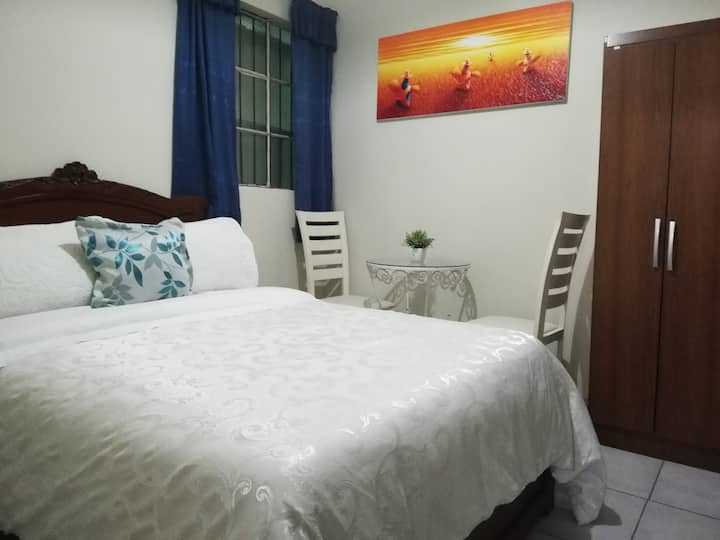 Habitación con baño privado en Casa Particular