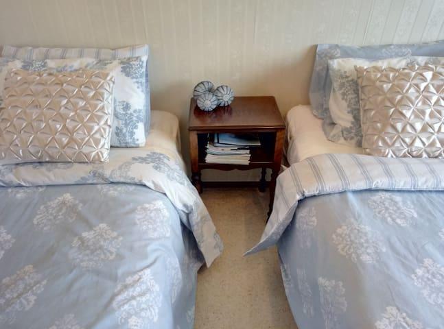 Paeroa Bed and Breakfast Plains Room - Paeroa - Bed & Breakfast