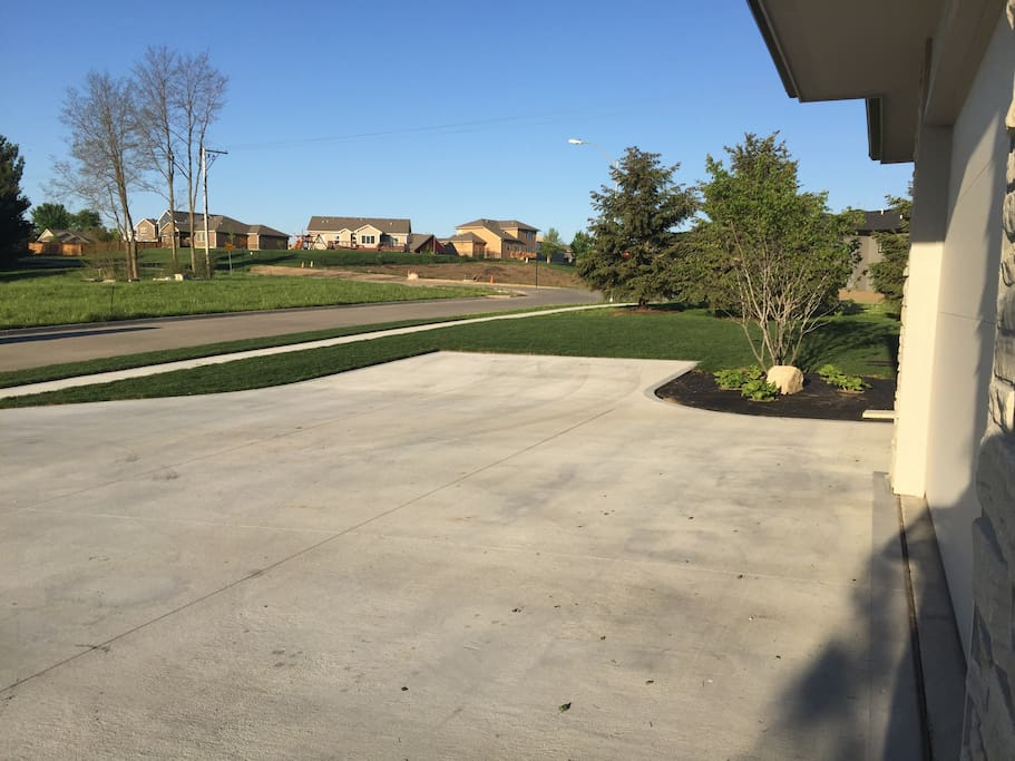 Parking area off of driveway