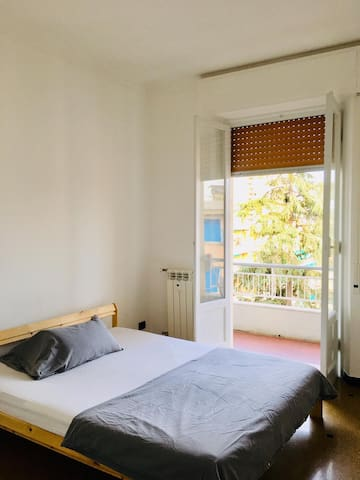 Beautiful double room in Pegli, close to the beach
