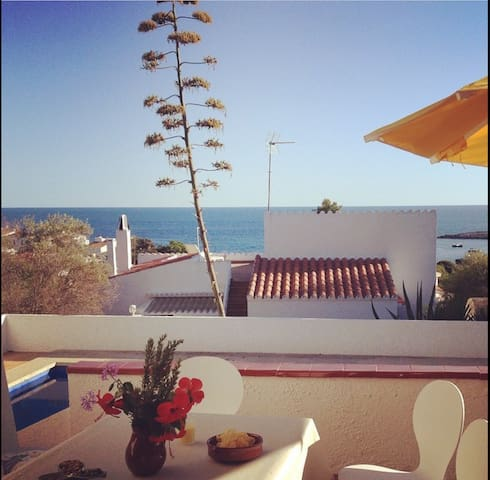 Lovely villa with pool by the sea - Binibequer - Villa