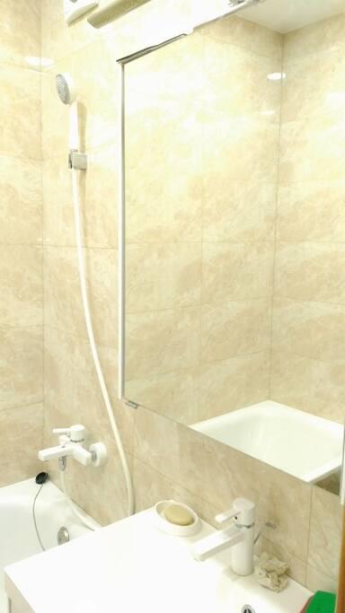 Bathroom/Ванная комната