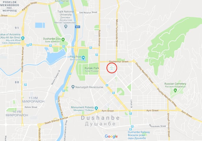 Central location. Walking distance to Somoni monument, Rudaki park, Flagpole, and a National Museum.
