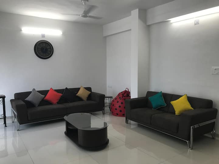Satvam 3-2BR Fully Equipped Vacation Home-Vadodara