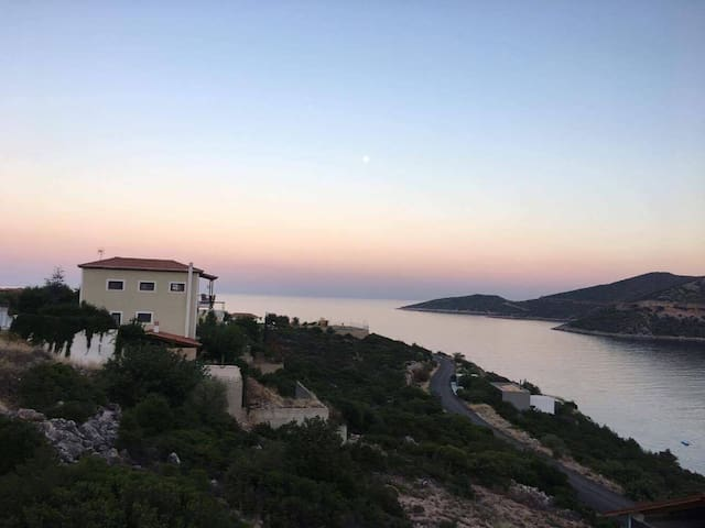 Arkadiko Chorio-Studio with sea view for 2-4people