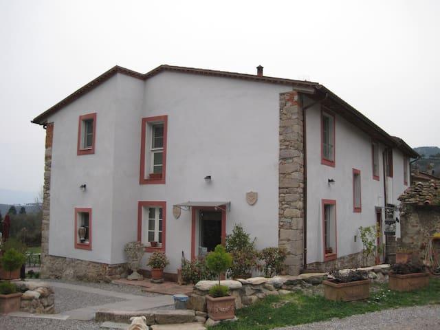 Nuovo appartamento in casa colonica - Vorno - Flat