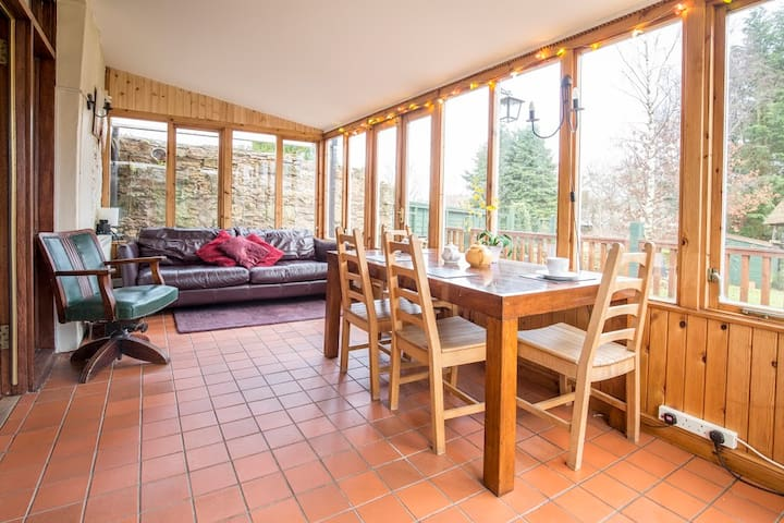 Detached house with private garden, pets welcome - Sanquhar - Ev