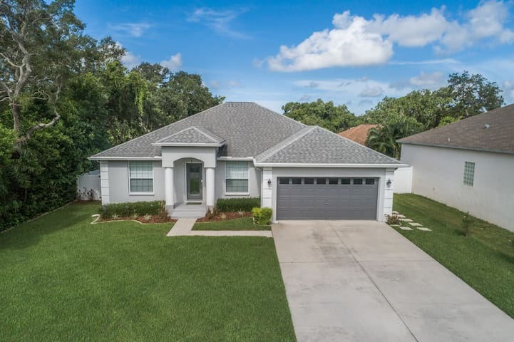IMMACULATE 3 Bedroom Home Near FL BEACHES!