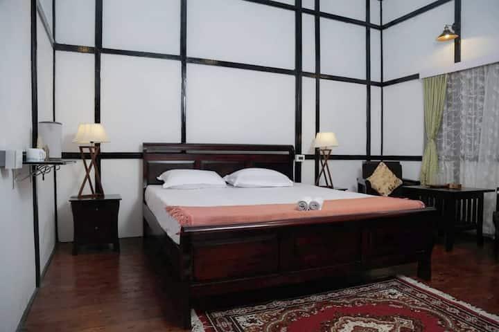 Ri Saw Kun homestay | King bedroom