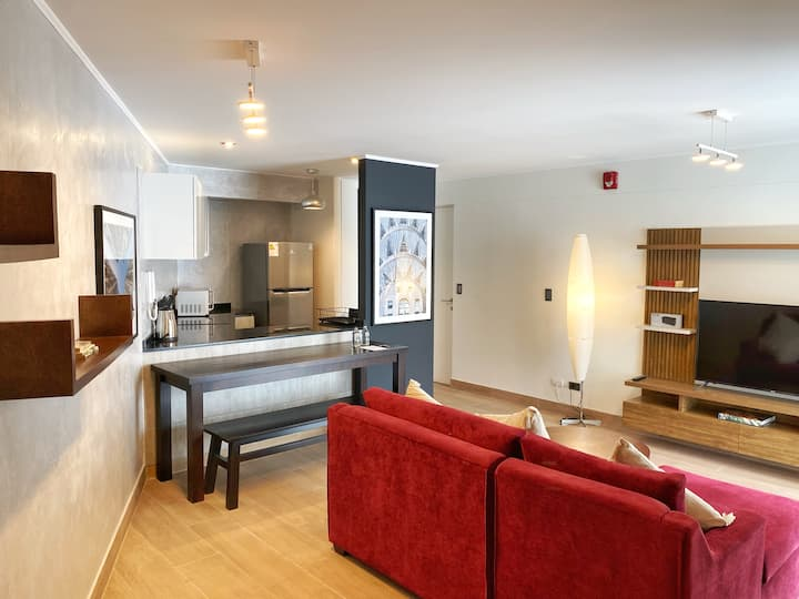 Charming 2BR in LUXURY building