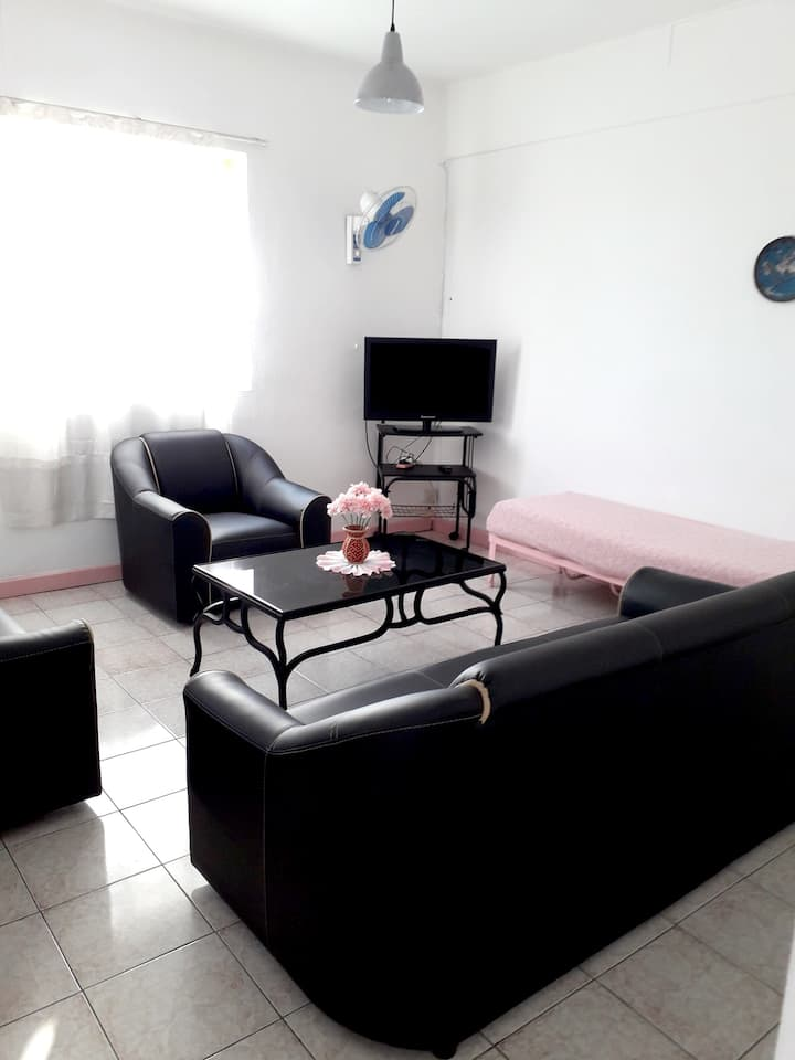 Apartment with 2 bedrooms in Grand Baie, with wonderful city view and WiFi - 300 m from the beach