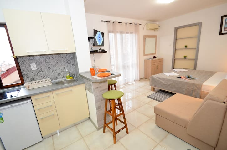 Apartment Risan center 3 with terrace and seaview