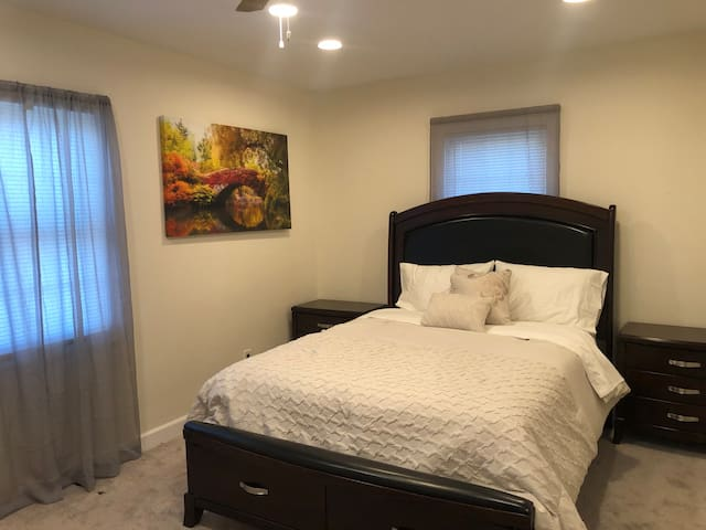 Cozy & Beautiful Private Room in Bethpage Apt (1)