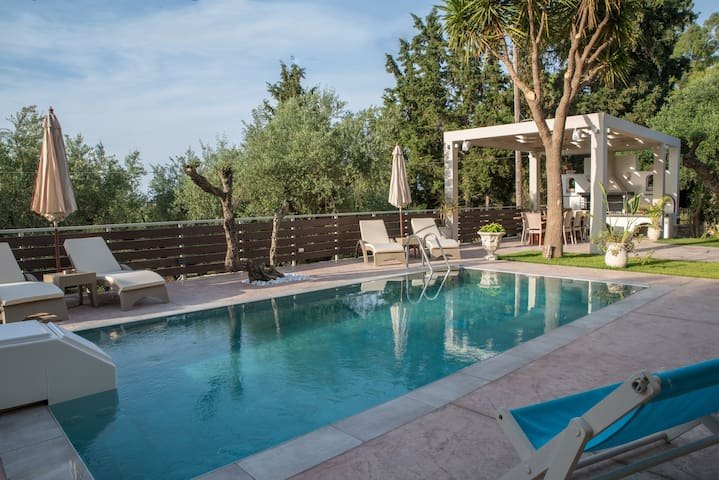 Sweet Home with swimming pool in Laganas!