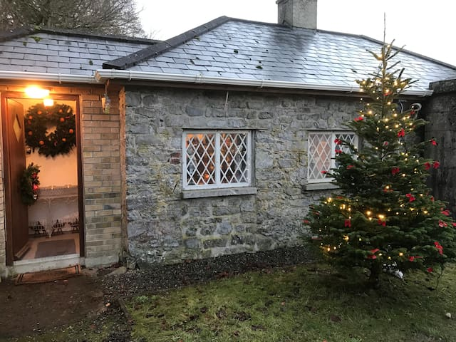 The Gate Lodge Cottage at Christmas
