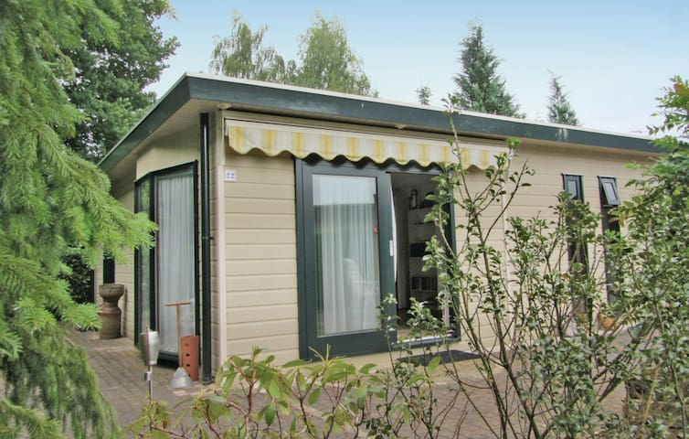 Holiday cottage with 2 bedrooms on 52m² in Stegeren