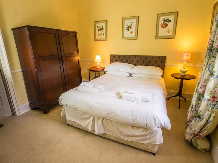 Double room-Suite-Ensuite with Bath-Garden View-Dennys