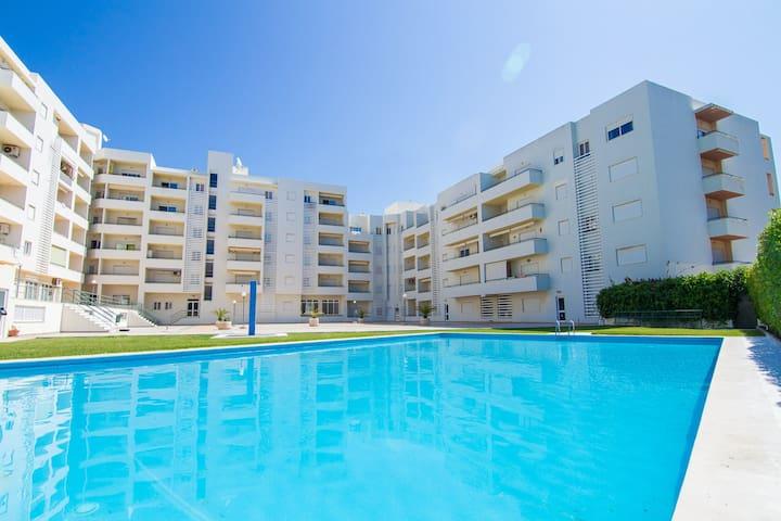 Page Black Apartment, Armaçao de Pera, Algarve