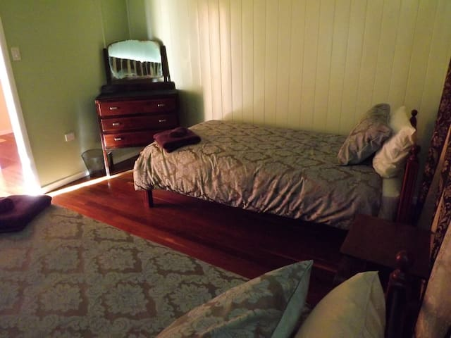 2nd bedroom 2 King Single beds, airconditioned