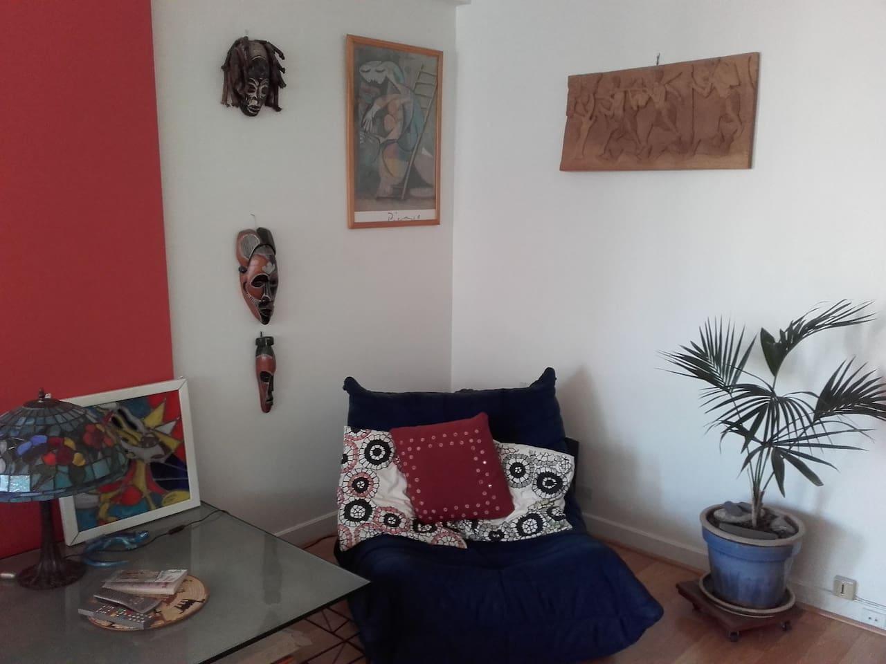 Quiet room, balcony in Nation/Bois de Vincennes