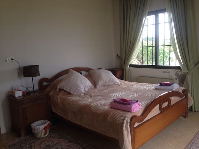 Chambre surplombant le maquis - Aabrine - Bed & Breakfast